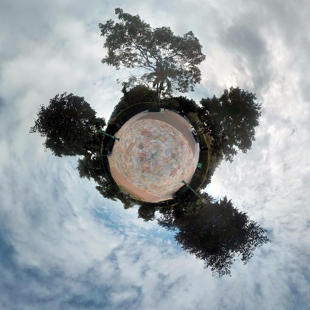 Парк около Диснейленда