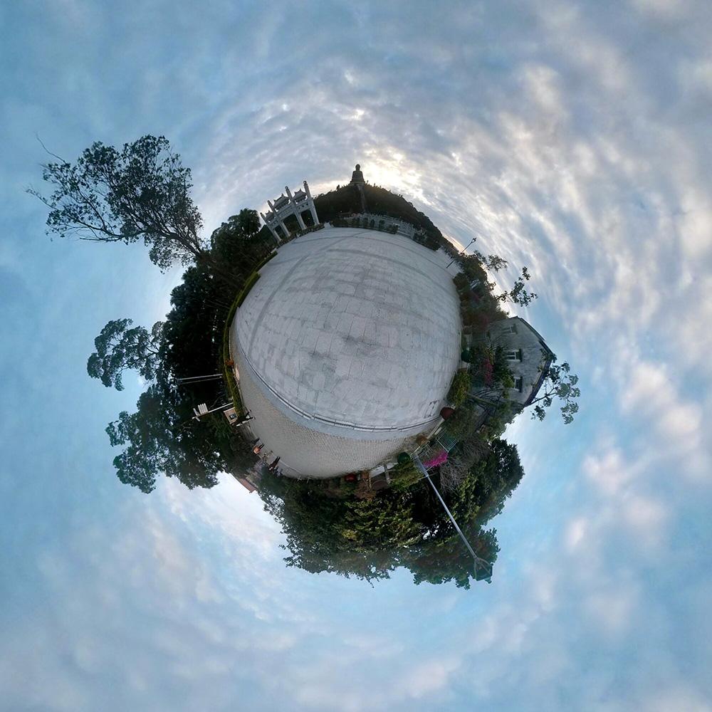 Остров Лантау, недалеко от храма